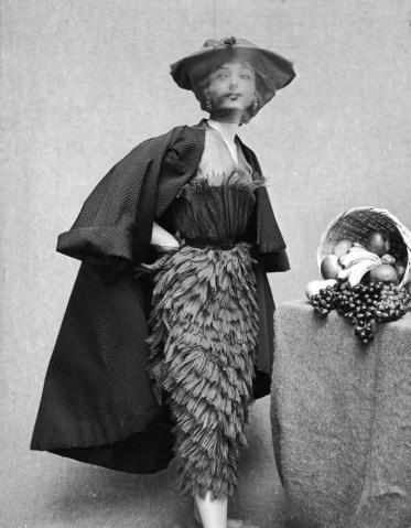 Balenciaga fashion, 1950