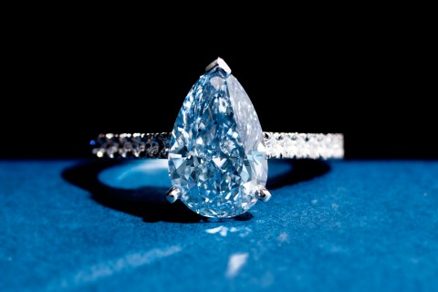 DeBeers_bluediamond
