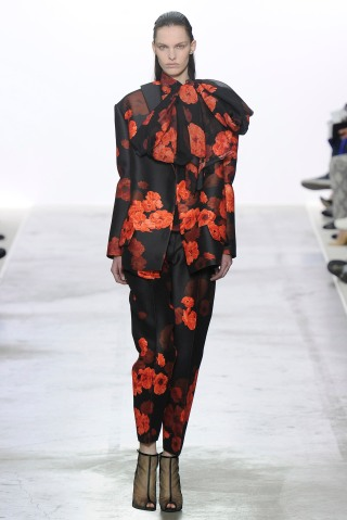 Giambattista Valli - Runway RTW - Fall 2013 - Paris Fashion Week