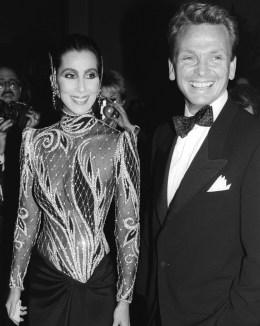 Cher arrives at Metropolitan Museum wearing Bob Mackie outfi