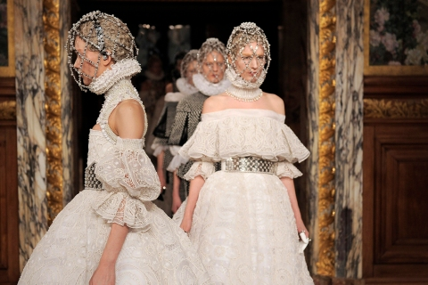 Alexander McQueen - Runway RTW - Fall 2013 - Paris Fashion Week