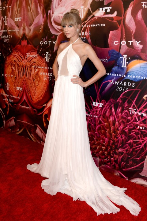 2013 Fragrance Foundation Awards - Red Carpet